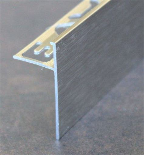 poser un profile de finition carrelage devaud fabricant et distributeur de profil 233 s de finition et de croisillons pour la pose du carrelage