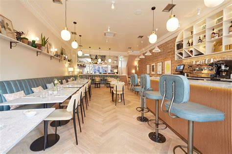 Less than 15 minutes from west hampstead tube and train stations, the gym is conveniently located for residents. Hām Restaurant West Hampstead - Contract Furniture by Furniture Fusion