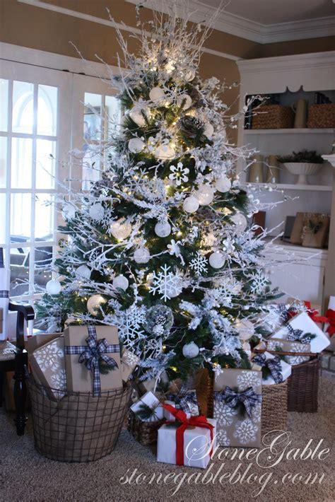 snowflake tree stonegable - Snowflake Christmas Tree