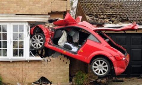 Funny Car Crash Videos