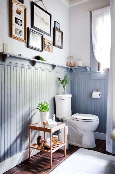 decorating ideas  bathrooms  beadboard wainscoting