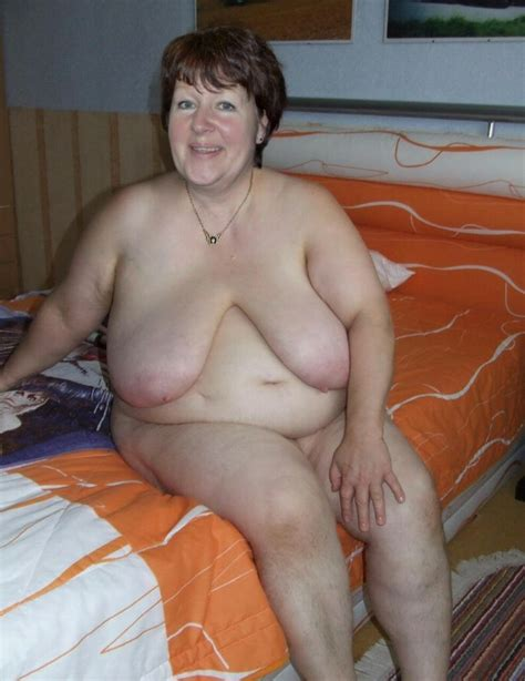 Nice Breasts And Belly On This Granny Mature Porn Pics