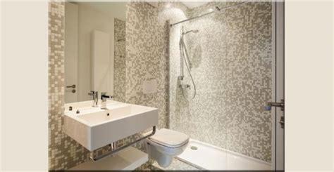 piastrelle per doccia fughe per pavimenti scelta colore stuccatura e