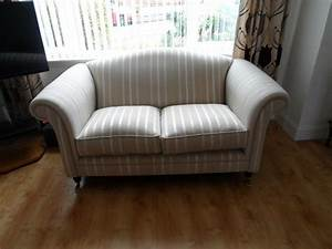 Laura Ashley Sofa : laura ashley striped sofa in borrowstounness falkirk ~ A.2002-acura-tl-radio.info Haus und Dekorationen