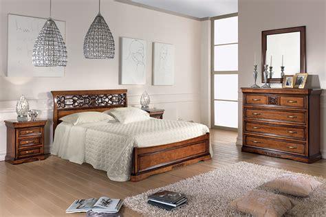 ladario da letto classica composizione da letto classica con letto intagliato