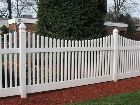 Backyard Fence Company by Pvc Fence Backyard Fence Company
