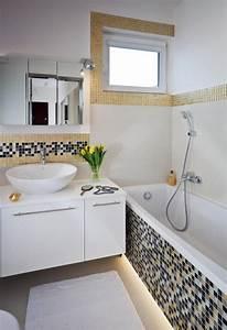 Badezimmer beleuchtung modern for Wand mit mosaik gestalten
