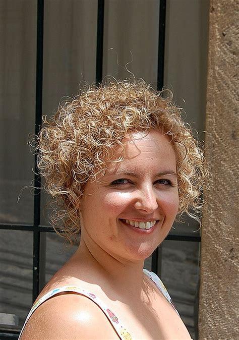 short curly bob hairstyles woman fashion nicepricesellcom
