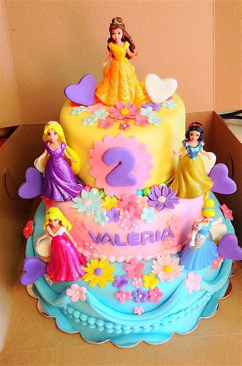 princess cake 17 best ideas about disney princess cakes on pinterest princess birthday cakes disney