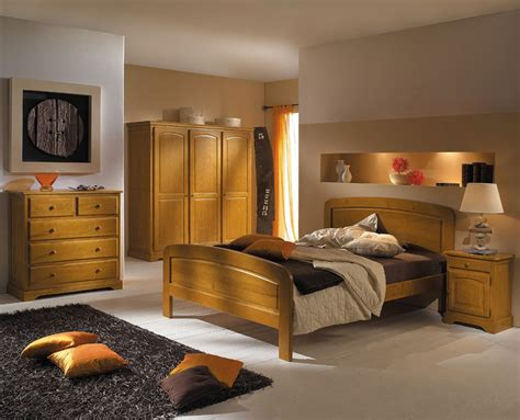 chambre à coucher adulte moderne déco chambre meuble en pin