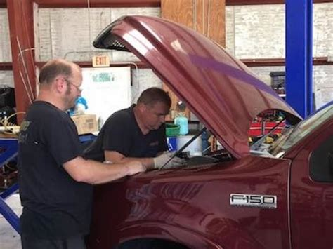 5 car repairs to always leave to a professional.