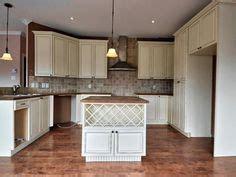 peinturer un comptoir de cuisine peinture d 39 armoires de cuisine sur cire