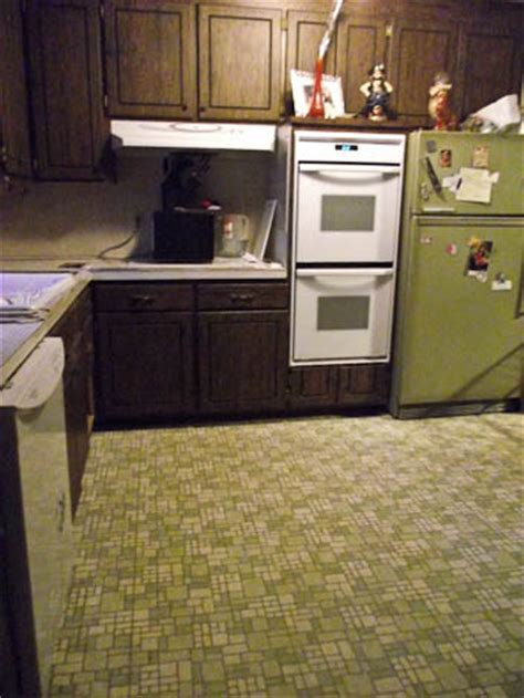 Jon & Trixi uncover a 1962 retro kitchen under layers of