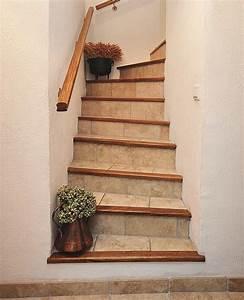 Avec Quoi Recouvrir Un Escalier En Carrelage : refaire le carrelage d un escalier ~ Melissatoandfro.com Idées de Décoration