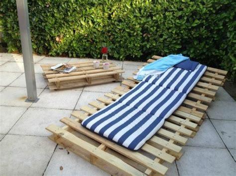 chaise longue palette meubles en palettes le bois recyclable pour votre confort