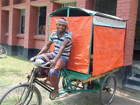 rickshaw drivers  bangladesh  cycling