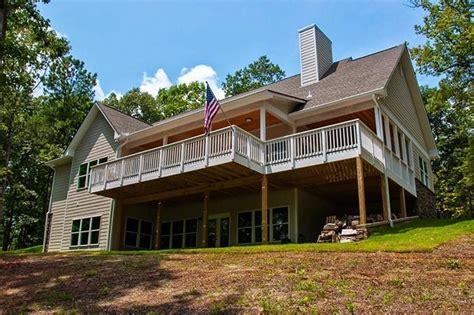 story craftsman house plan bunk rooms lake house plans  craftsman