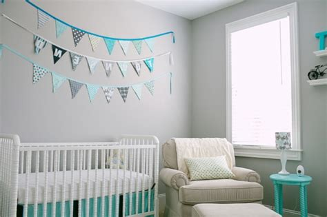 chambre bébé bleue aqua