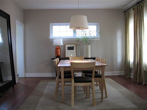 salle a manger couleur taupe