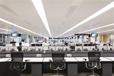 ubs trading floor new york goldman sachs trading floor www imgkid the image