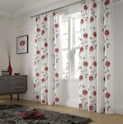 rideaux a carreaux et blanc attirant rideau et blanc 4 2 voilages bicolores pompons 160x60cm blanc atlub