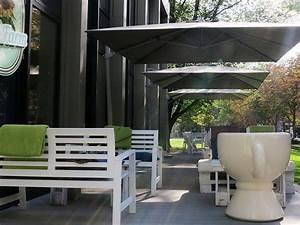 Graue Wpc Dielen : bildsch ne terrasse von restaurant und caf ~ Markanthonyermac.com Haus und Dekorationen
