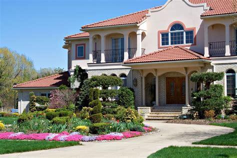 choosing  landscape company   high  property