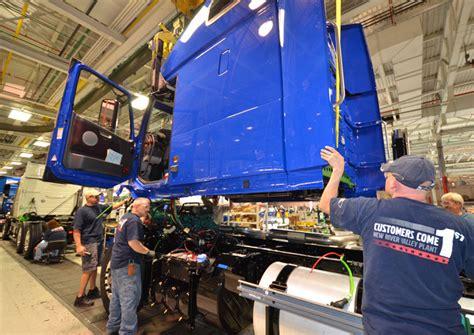 volvo trucks virginia volvo trucks to lay off 300 virginia factory workers