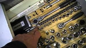 Amenagement Garage Atelier : mov0a9 amenagement de garage en atelier bricolage 10 youtube ~ Melissatoandfro.com Idées de Décoration