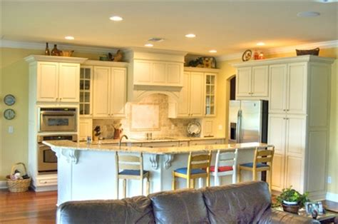Decorating Ideas For Kitchen Bulkheads by How To Decorate Kitchen Bulkheads Ehow