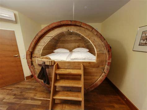 chambre d hote insolite la chambre tonneau de bois maisonapart