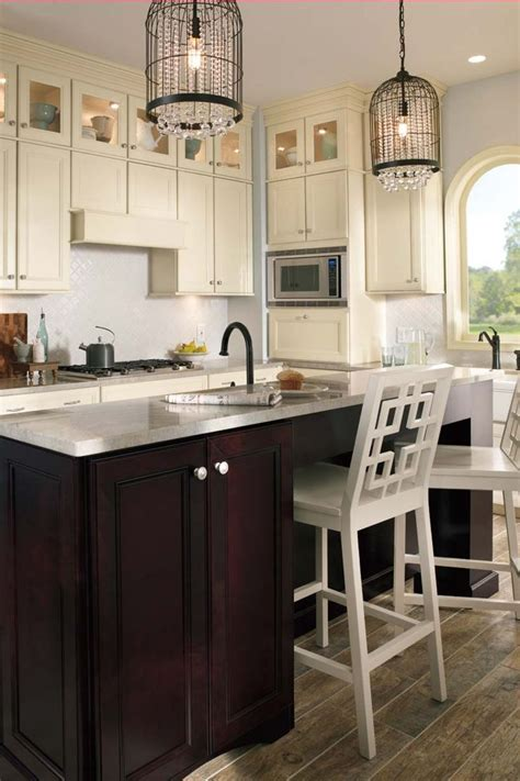 Waypoint White Kitchen Cabinets by Waypoint Living Spaces Style 750 In Maple Glaze
