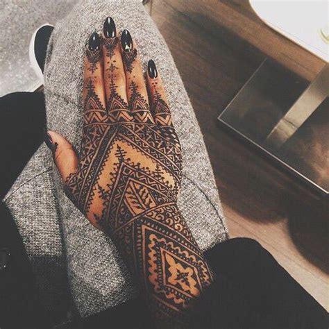 Best  Rihanna Hand Tattoo Ideas On Pinterest Henna