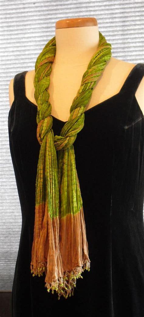 ways to drape a scarf amazing ways to tie a scarf