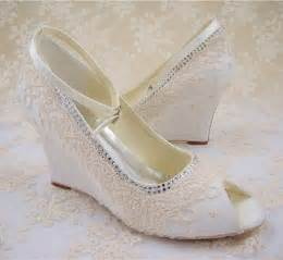 floral wedding shoes lace wedding shoes peep toe bridal shoes rhinestone wedge shoes bridesmaid shoes chagne