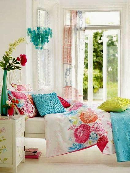 Master Bedroom Design Ideas In Bright Colors (15 Designs