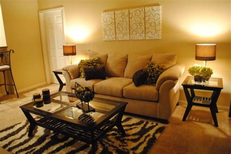 Apartment Living Room Decorating Ideas On A Budget by College Apartment Living Room Hi Im A College Student On