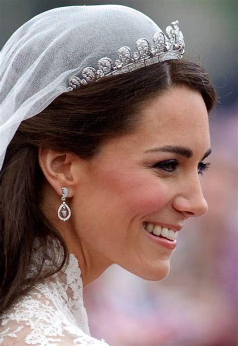 renda cantik 2 intip indahnya gaun pernikahan kerajaan para pendahulu