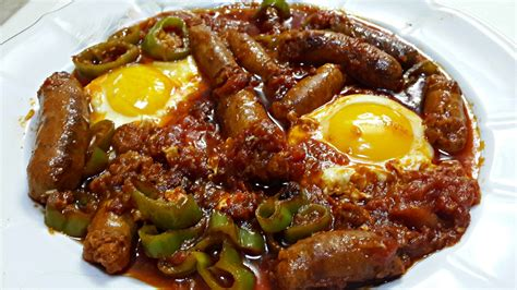cuisine tunisienne ojja aux merguez et aux œufs cuisine tunisienne