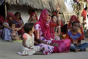 Women lead the way out of poverty in an Indian desert ...