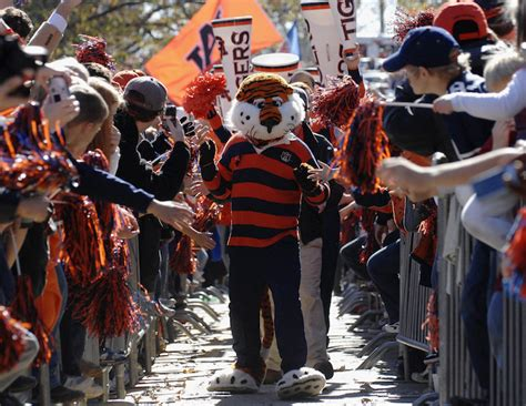 10 Resons Aubie Is Better Than Santa Claus