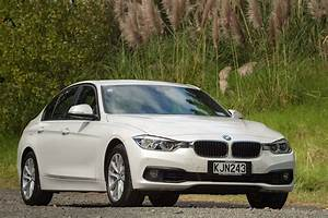 Bmw 318 I : no april fool bmw 318i sedan returns to nz as a 39 game changer 39 road tests driven ~ Medecine-chirurgie-esthetiques.com Avis de Voitures