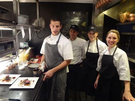 equipe cuisine guillaume st et l équipe de cuisine