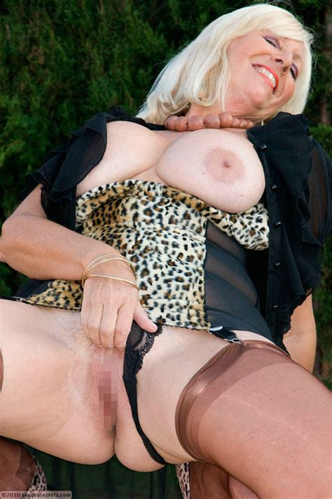 Sandys Secrets Shows Pussy Outdoors