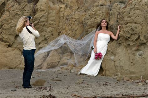 wedding photography file wedding photographer preparing jpg wikimedia commons