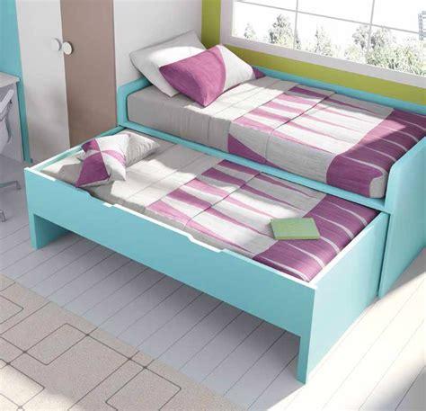 bureau ado gar輟n lit gigogne avec bureau chambre originale garcon acheter votre lit gigogne avec armoire d 39 angle et bureau chez simeuble lit mezzanine quarr