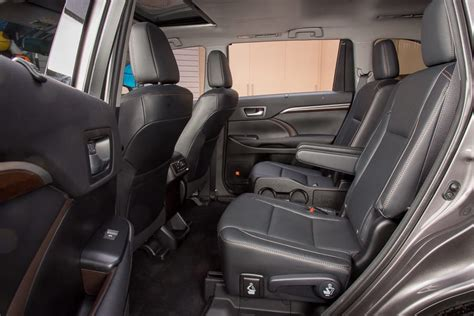 Suvs With Captain Chairs by Which 2016 Three Row Suvs Offer Second Row Captain S