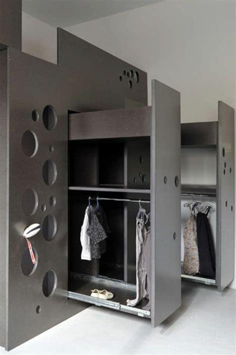 disposition des meubles dans une chambre armoire pour chambre chambre coucher meuble la