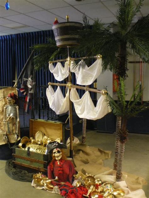 pirate ideas yvonnebyattsfamilyfun - Pirate Decoration Ideas