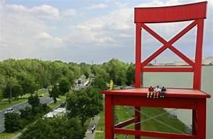 Möbel Rück Xxl : wie hoch ist der rote stuhl vun den xxxl m belh usern ~ A.2002-acura-tl-radio.info Haus und Dekorationen